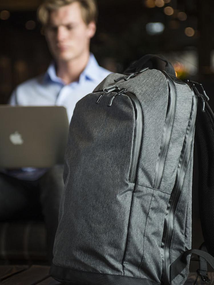 Clique City Backpack modellbilde